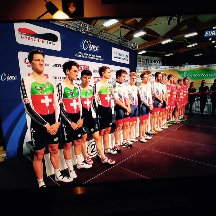 Der Schweizer Bahnvierer mit dem  Schweizer/FL-Doppelstaatsbürger Stefan Küng holt an der Europameisterschaft die Silbermedaille. Gold geht an Grossbritannien und Bronze an Dänemark