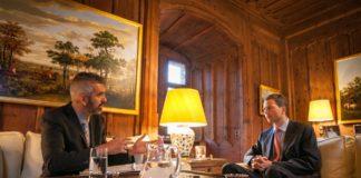 Erbprinz Alois im Gespräch mit Michael Benvenuti (Fotos: Oliver Hartmann)